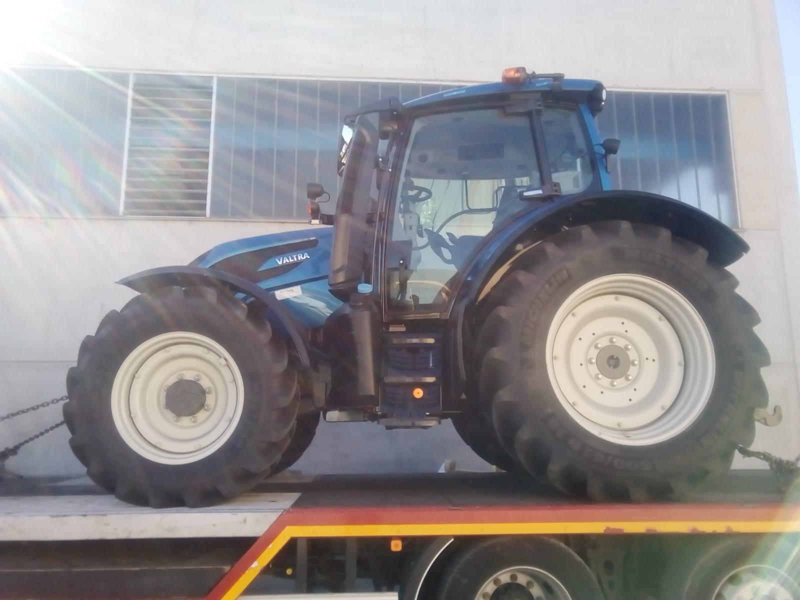 Consegnato trattore VALTRA modello N134 versu 🚜 ad az agr la tolosana regione Paschere Saluzzo (Cn)